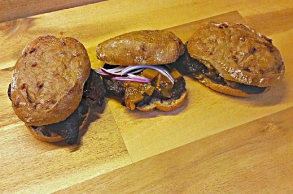 Das Altberliner Blutwurst-Sandwich von Pannek seine Budike Catering