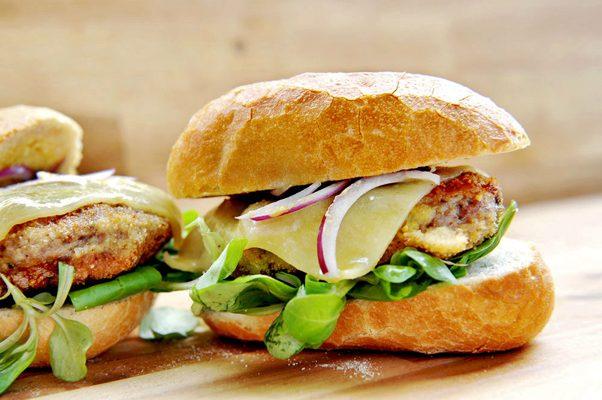 Das Altberliner Buletten-Sandwich von Pannek seine Budike Catering
