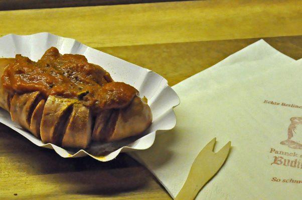 Die echte Berliner Currywurst von Pannek seine Budike Catering