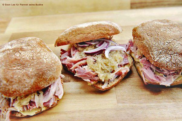 Das Altberliner Eisbein-Sandwich von Pannek seine Budike Catering