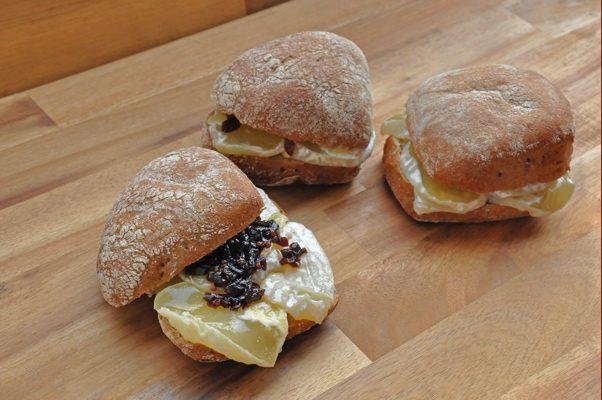 Das Altberliner Harzer-Käse-Sandwich von Pannek seine Budike Catering